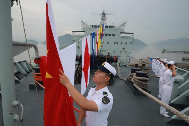40载乘风破浪,鄱阳湖舰在宁波退役