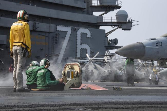 又要对华挑衅?里根号航母在西太战斗部署