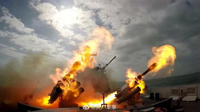 东部战区海军驱逐舰实训高清大图
