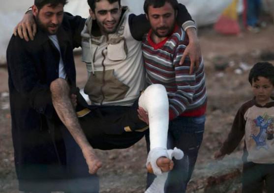 叙利亚决胜时刻,美国却拿三十万群众做要挟