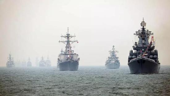美军解释为何不参加中国阅舰式:我们忙着在南海行动