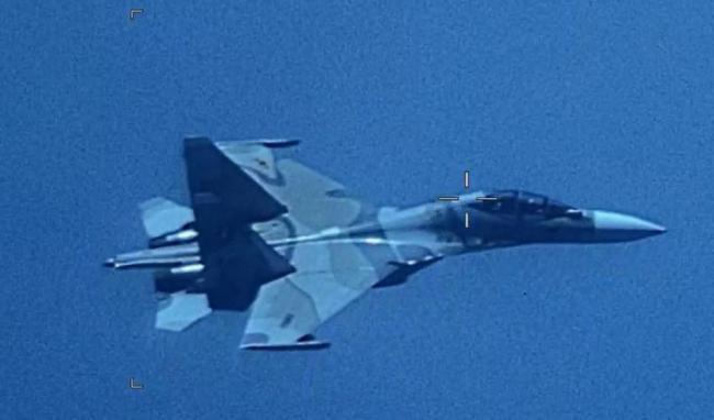 剑拔弩张:委内瑞拉战机拦截美侦察机
