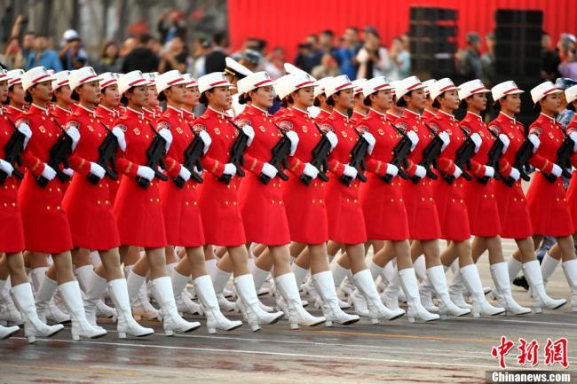 新中国成立70周年阅兵式受阅部队开始热身