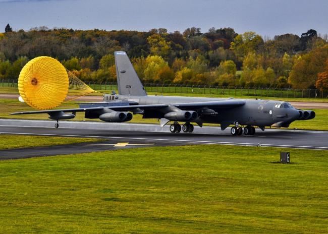 美军B-52H跨越大西洋从欧洲返回美国