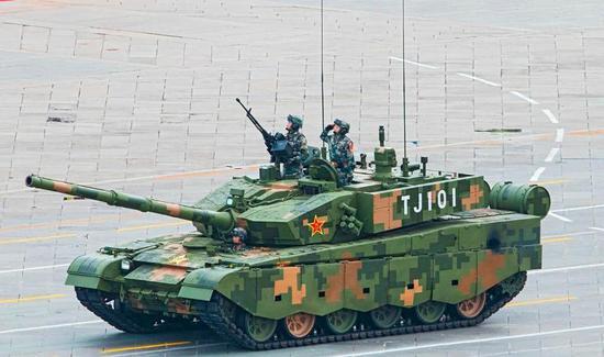 中国新一代坦克现雏形 采用全电设计重量仅99A一半