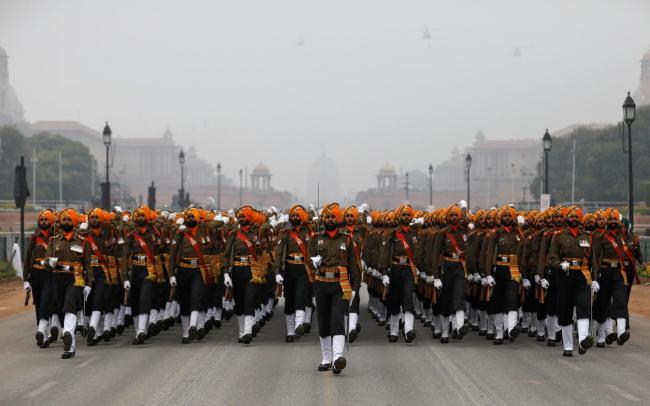 印度阅兵彩排大量新武器登场 连反卫星导弹都被搬出
