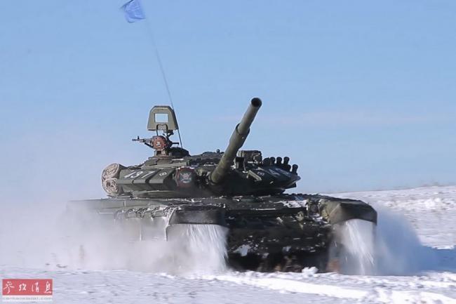 雪地出擊!俄中央軍區坦克部隊實戰演練