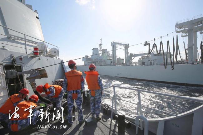 海軍第34批護航編隊組織海空立體航行補給