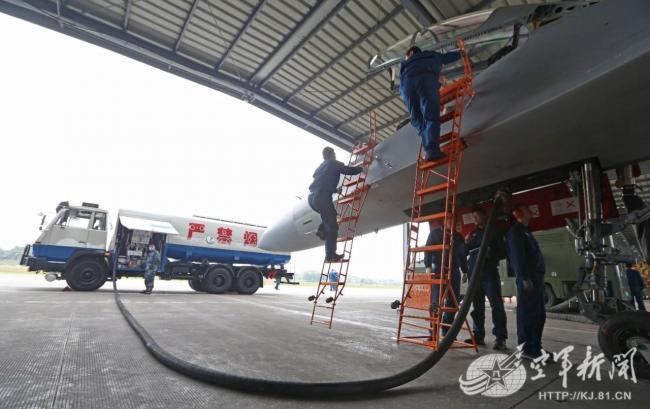 西部戰區空軍航空兵某旅節後開啟實戰化訓練