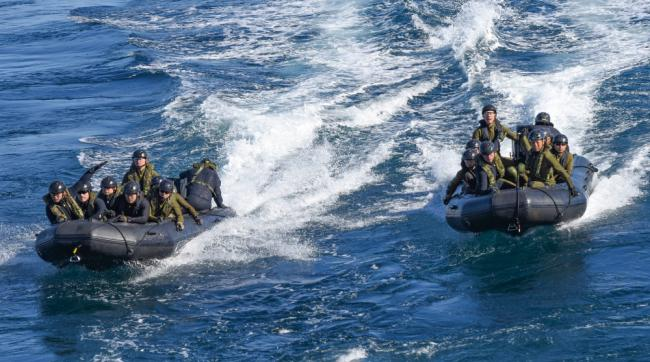 日本水陆机动团首次在冲绳训练 与美军协同
