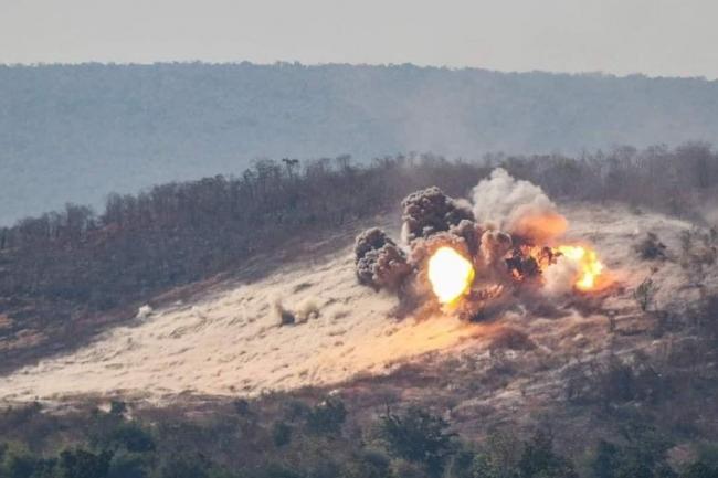 媲美轰炸机!F16战机一次投掷12枚500磅炸弹