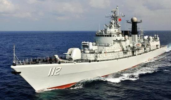 中国海军多艘主力舰中期维修 电子设备近防系统升级