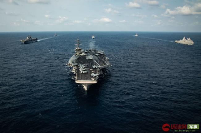 美军再闯南海,这次航母和准航母都来了