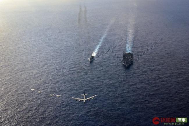 美军核航母与核轰炸机同时现身南海周边