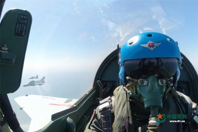 海军航空大学对地攻击训练掠影