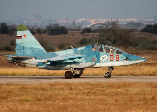 中国舰载教练机大战谁能胜出 俄制飞机将起关键作用