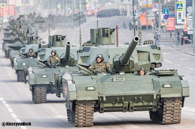 俄罗斯红场阅兵彩排:钢铁洪流名不虚传