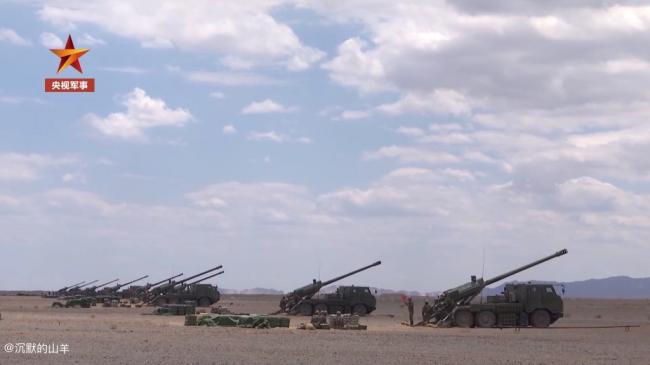 国产新型卡车炮采用半自动装填射速提升