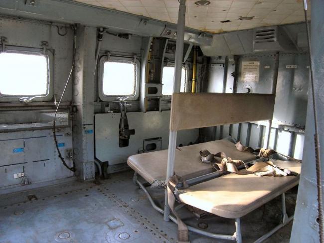 俄军武直内部宽敞:有乘客座椅