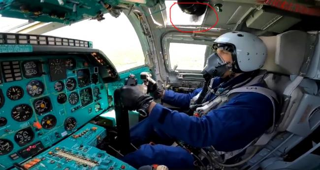 俄罗斯图-22M3轰炸机的仪表盘很古老