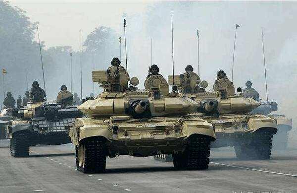 """印度大量进口T-90S,印军""""钢铁洪流""""已成,巴基斯坦有应对之策"""