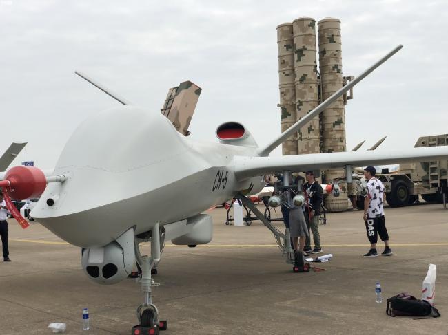 国产彩虹5无人机试飞:挂载装备被打码