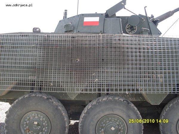 波兰步兵战车被RPG命中,格栅装甲立大功