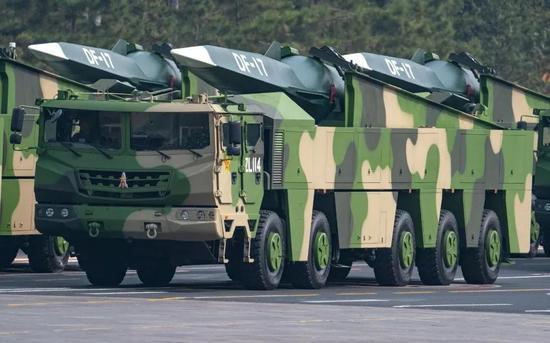 中国东风17亮相后 美军5款高超音速武器齐上马