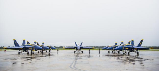 使用F/A-18大黄蜂34年后,蓝天使终换装