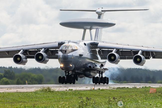 俄罗斯举行大型空中军演,出动大型运输机