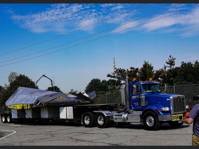 """美F117隐身战机""""大卸八块""""运往博物馆"""