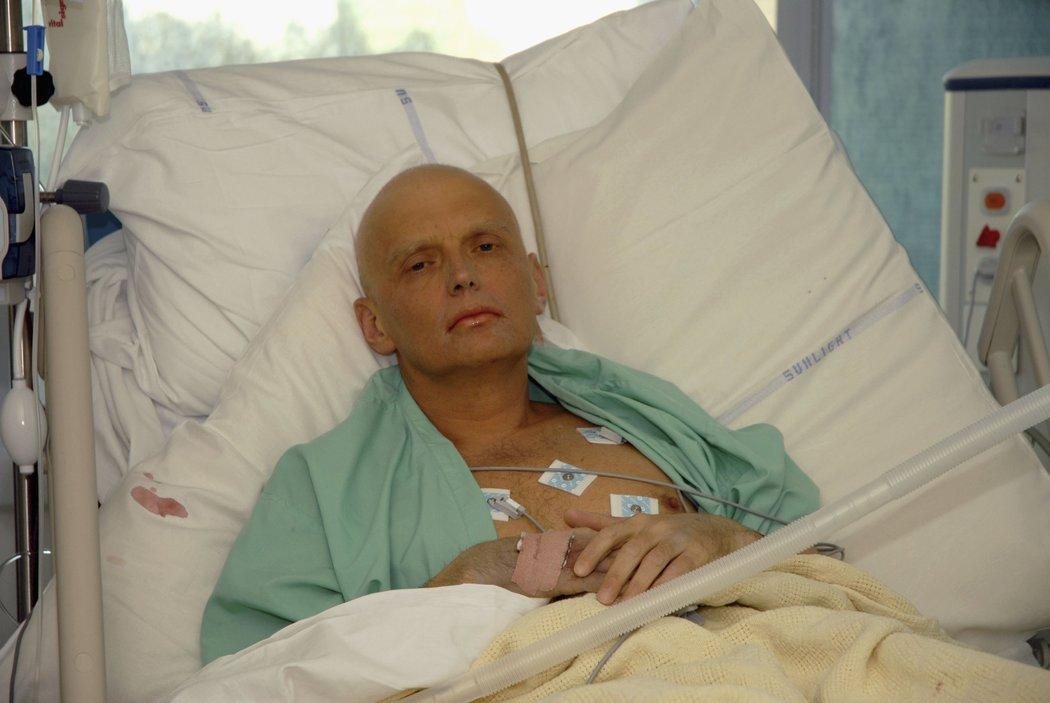 亚历山大·V·利特维年科曾是克格勃的一员,后来成为俄罗斯政府的批评者。他被一种放射性同位素毒害,两周后去世。