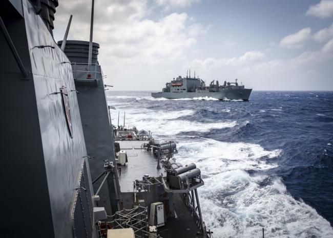 美麦凯恩号导弹驱逐舰闯入西沙领海
