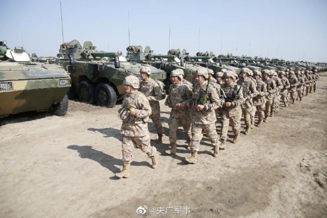 醒目!陆军装甲步兵全员新装具