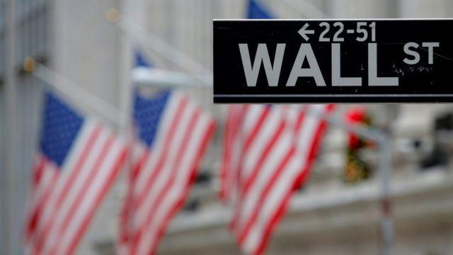 《外国公司问责法案》生效后,在美上市的中概股公司被夹在互相冲突的两国监管层中间。
