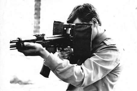 """苏联研制的""""护脸神器"""":步枪用防弹盾牌"""