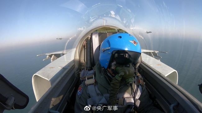 开训即开战!航空兵某旅新年首飞