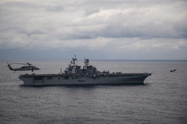 美两栖攻击舰在菲律宾海又搞大动作