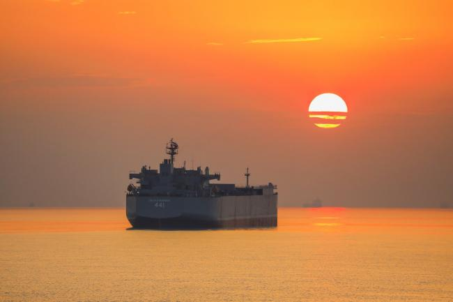 伊朗海军演习前夕爆出新型浮动前线基地