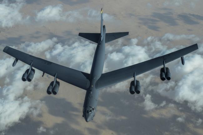 美国战略轰炸机B-52在中东巡逻