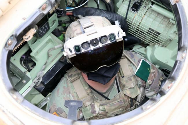"""美军""""复眼""""夜视头盔:外形犹如未来战士"""