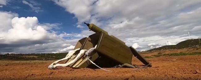 国产单兵火箭爆破器:一发炸开雷场