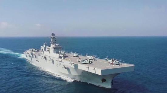 港媒:075型舰首舰舷号仅2位数 可像小型航母一样运作