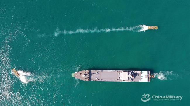 两栖步兵战车海上突击:从登陆舰驶离