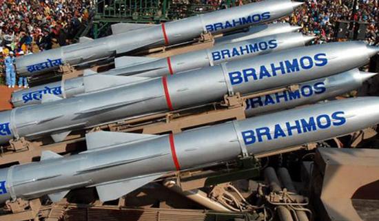 印媒:印度武器出口增长超5倍 这两款导弹世界最强