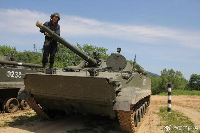 太平洋舰队海军陆战队进行驾驶课程训练