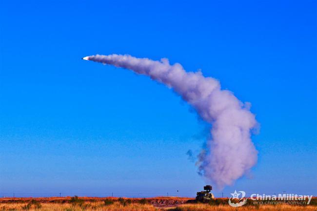 看看人家毕业前的小测验:发射防空导弹