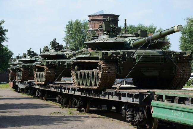 俄军2021年首批改进型T-80BVM坦克交付
