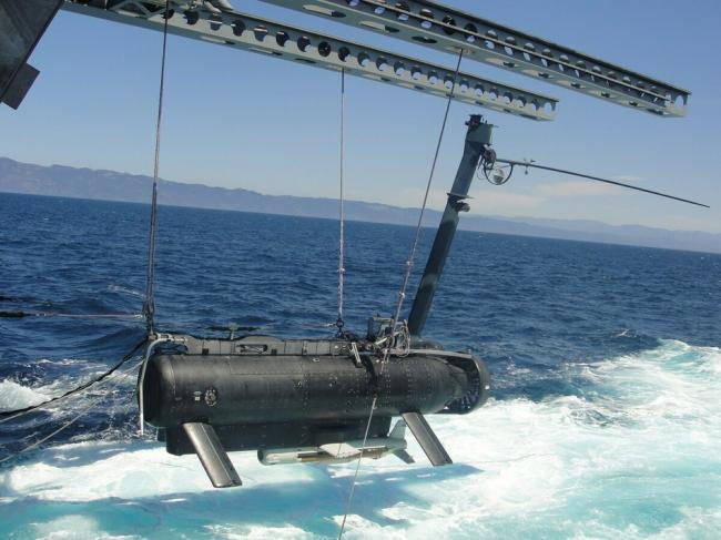 美军在南海使出新花招 组建专业部队投放无人潜航器