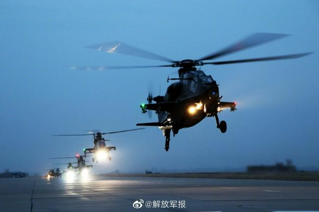 陆军某部开展直升机多机型、大场次、跨昼夜战术演练
